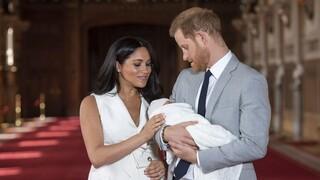 Μέγκαν και Χάρι: Ποιο μέλος της βασιλικής οικογένειας έκανε το σχόλιο για το χρώμα του μωρού;