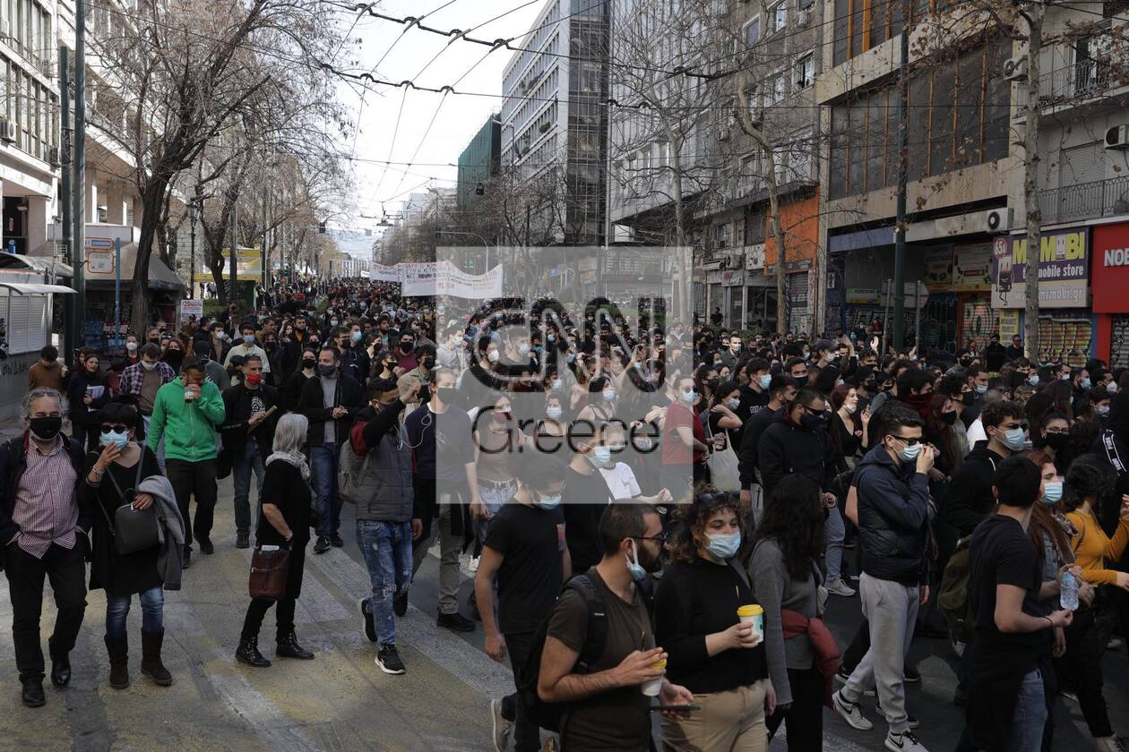 https://cdn.cnngreece.gr/media/news/2021/03/10/257663/photos/snapshot/panekpaideytiko-3.jpg