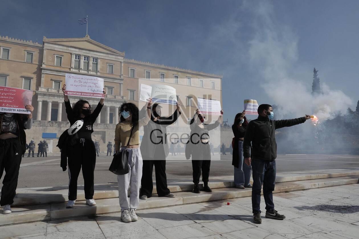 https://cdn.cnngreece.gr/media/news/2021/03/10/257663/photos/snapshot/syntagma-2.jpg