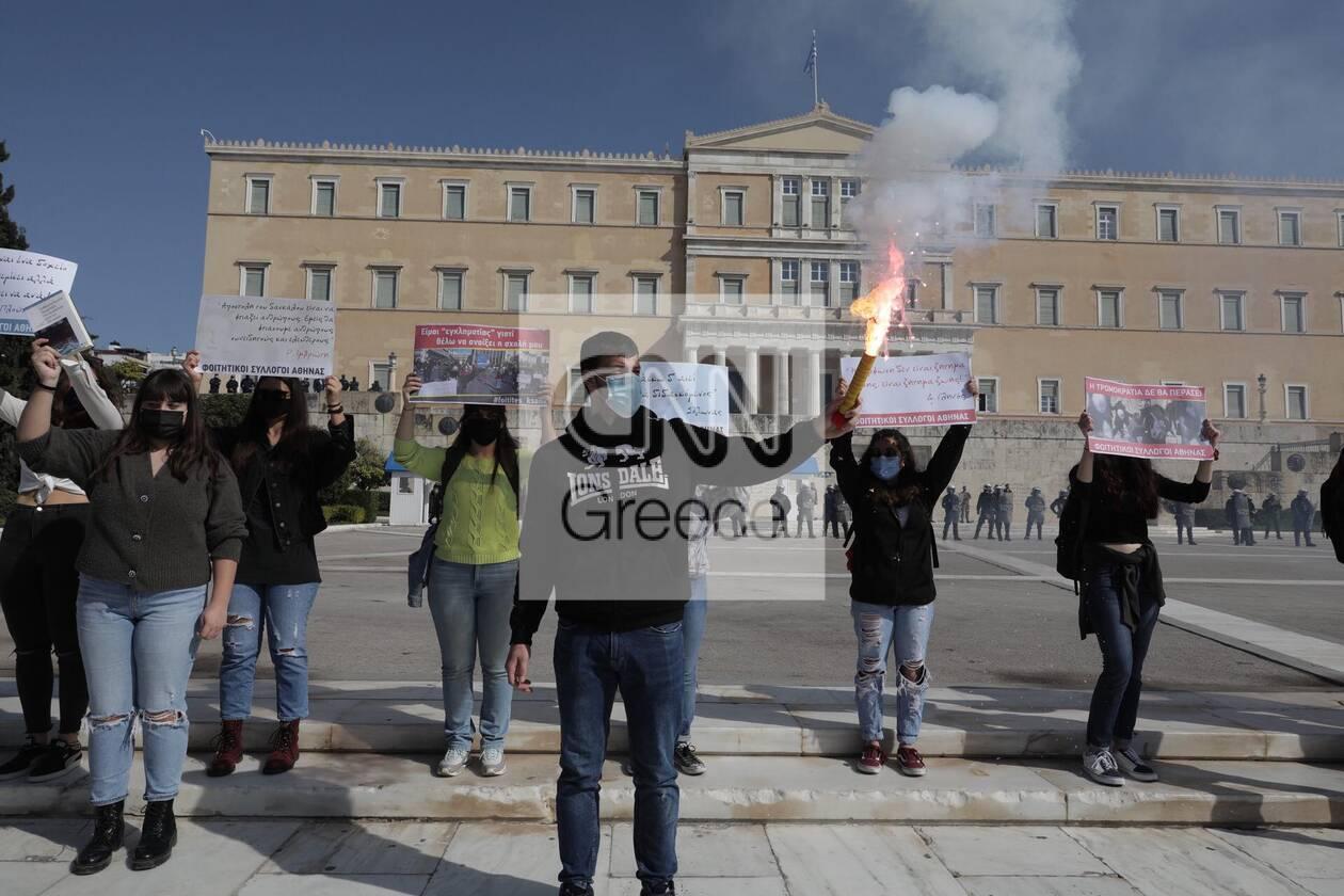 https://cdn.cnngreece.gr/media/news/2021/03/10/257663/photos/snapshot/syntagma-4.jpg