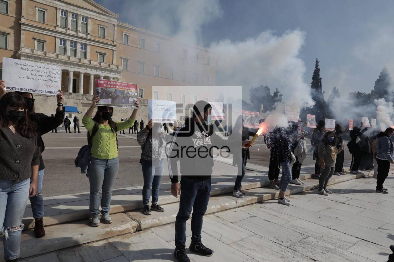 https://cdn.cnngreece.gr/media/news/2021/03/10/257663/photos/snapshot/syntagma-5.jpg