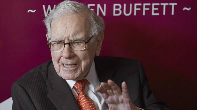 Στο κλαμπ των ισχυρών ο Γουόρεν Μπάφετ: Ξεπέρασε τα 100 δισεκ. δολάρια η περιουσία του