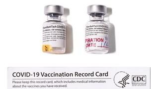 Στο μουσείο Smithsonian το φιαλίδιο του πρώτου εμβολίου Pfizer/BioNTech για τον κορωνοϊο