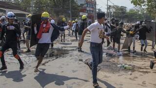 Μιανμάρ: Ακόμη 8 νεκροί στις διαδηλώσεις ενώ η χούντα κατηγορεί την Σουου Κιι για δωροληψία