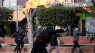 Νέα Σμύρνη: Αλληλοκατηγορίες κυβέρνησης και ΣΥΡΙΖΑ για το ποιος πυροδοτεί την ένταση