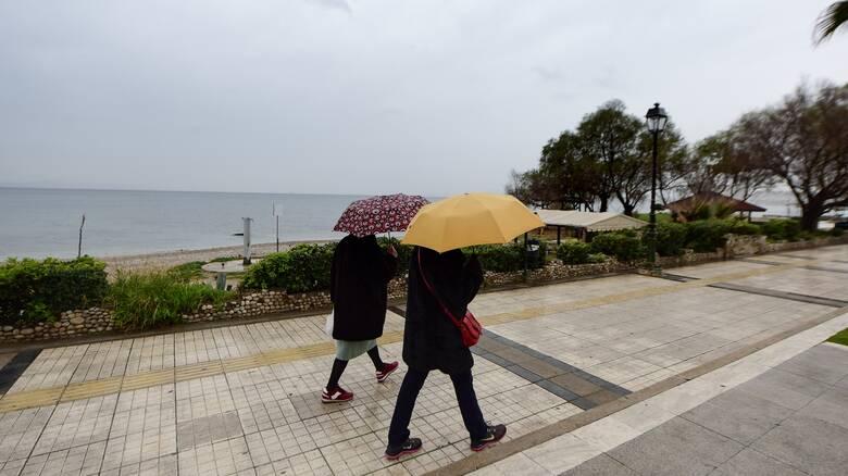 Κούλουμα με βροχές και καταιγίδες: Τι καιρό θα κάνει την Καθαρά Δευτέρα