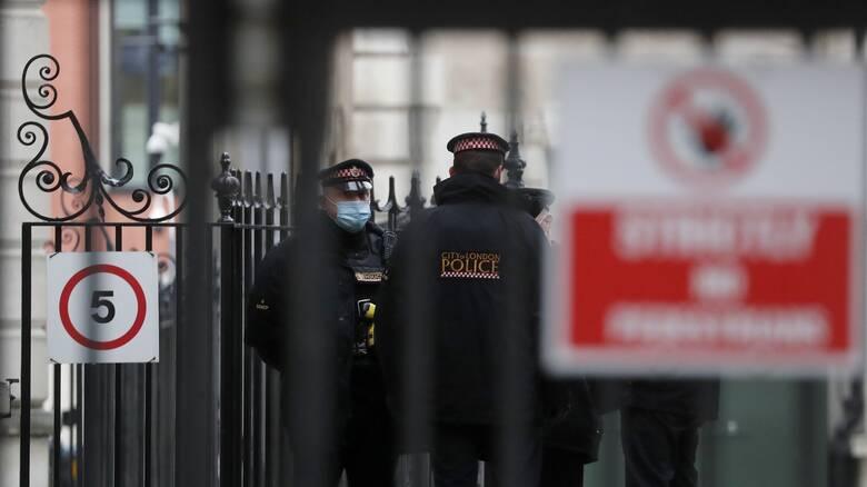 Βρετανία: Υπό κράτηση ο αστυνομικός που κατηγορείται για απαγωγή και δολοφονία 33χρονης