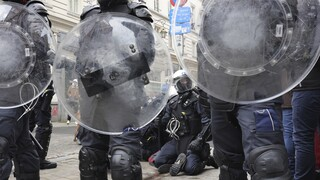 Βέλγιο: Επεισόδια μεταξύ αστυνομικών και διαδηλωτών στο κέντρο της Λιέγης