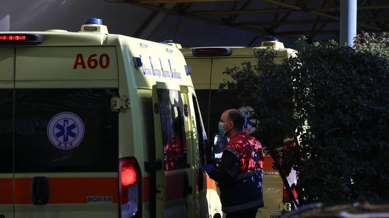 Τροχαίο έξω από τη Βουλή: Εγκεφαλικά νεκρός ο νεαρός οδηγός της μηχανής