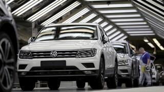 Handelsblatt: Περικοπή 5.000 θέσεων εργασίας στη Volkswagen με πρόωρη ή μερική συνταξιοδότηση