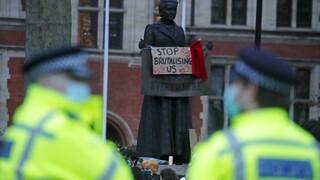 Βρετανία: Ανήσυχος δηλώνει ο Μπόρις Τζόνσον για την αστυνομική βία