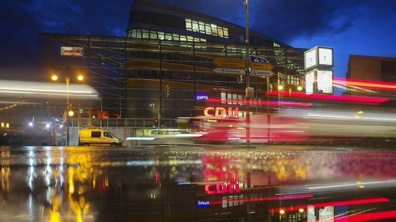 Deutsche Welle: Κυβέρνηση χωρίς CDU/CSU στο Βερολίνο;