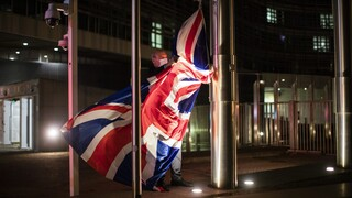 Brexit: Οι Βρυξέλλες ξεκινούν δύο διαδικασίες επί παραβάσει εναντίον της Βρετανίας