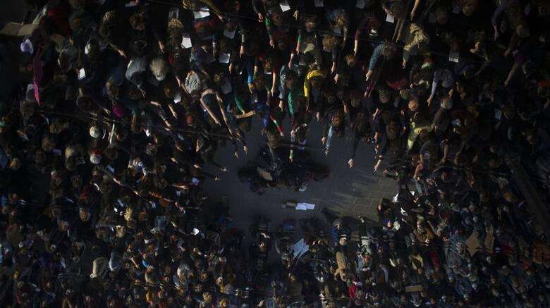Η υπόθεση βιασμού της «Ζιλί» συγκλονίζει τη Γαλλία