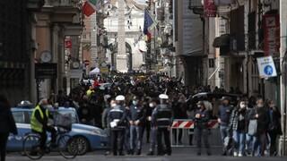 Bloomberg: Σχέδιο εξόδου της ΕΕ από τα lockdown παρά τις καθυστερήσεις λόγω AstraZeneca