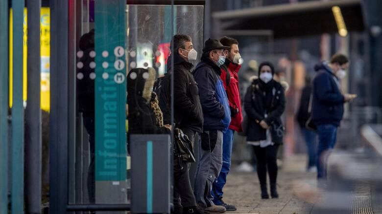 Γερμανία: Ως και δύο δισ. ευρώ το κόστος από το «πάγωμα» του εμβολίου της AstraZeneca