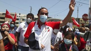Περού: Φαβορί των προεδρικών εκλογών ο δεξιός λαϊκιστής Τζόνι Λεσκάνο