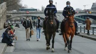 Κορωνοϊός - Γαλλία: Επιδεινώνεται η κατάσταση στο Παρίσι - Υπό πίεση τα νοσοκομεία