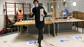 Ολλανδία: Δεν επέτρεψαν σε υπουργό να ψηφίσει επειδή είχε λήξει το διαβατήριό του