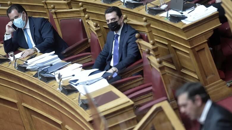Βουλή: Σφοδρή κόντρα Τσίπρα - Γεωργιάδη για τη βάπτιση