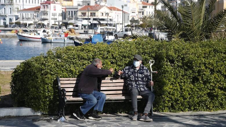 Έρευνα αποκαλύπτει: Πόσο κινδυνεύουν οι ηλικιωμένοι να κολλήσουν ξανά κορωνοϊό