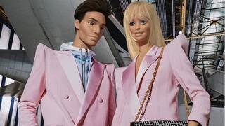 Η Barbie και ο Ken στο σόου της συλλογής F/W 2021 του οίκου Balmain