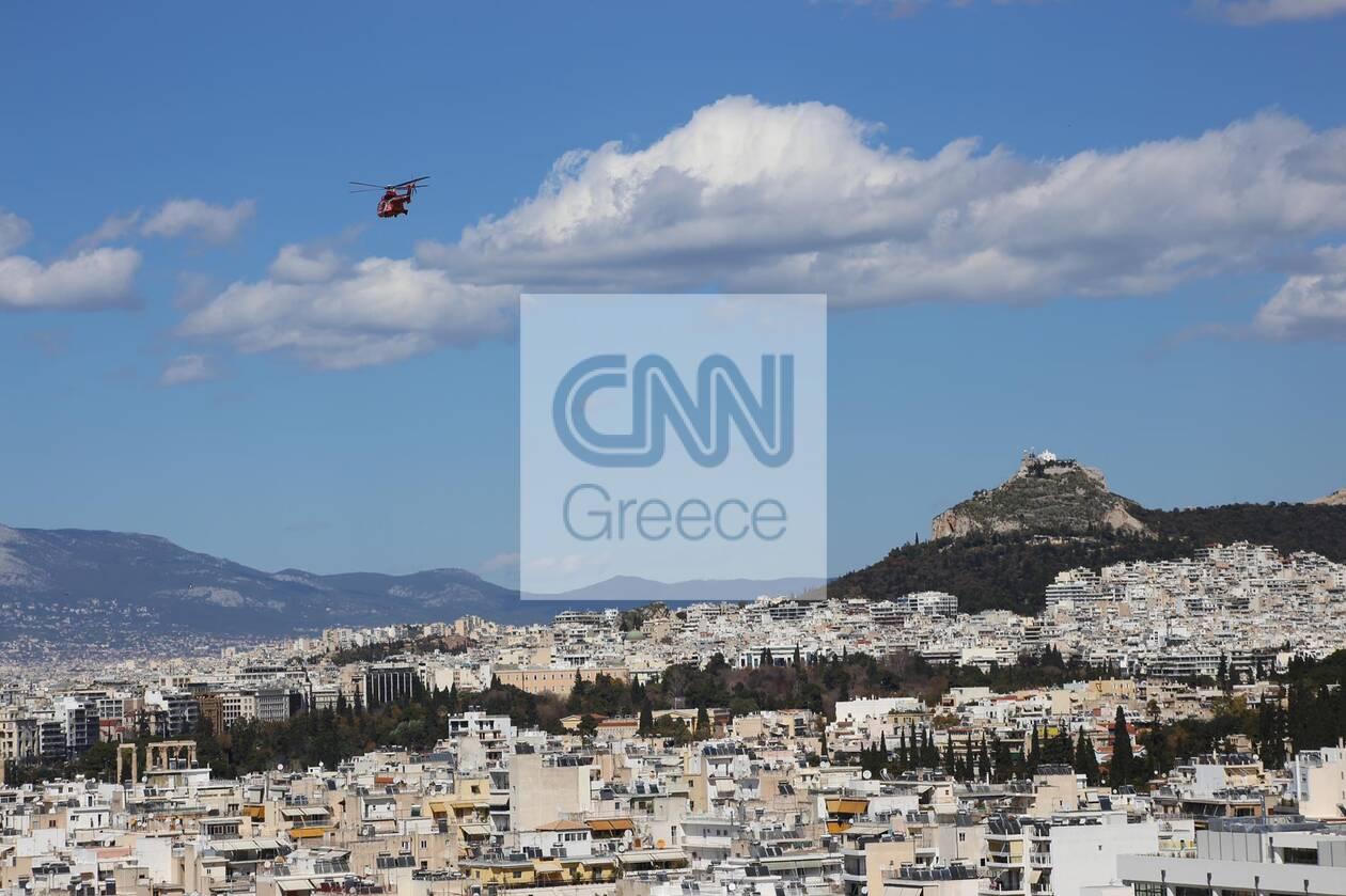 https://cdn.cnngreece.gr/media/news/2021/03/18/258665/photos/snapshot/dokimastikes-ptiseis-maxitikon-3.jpg