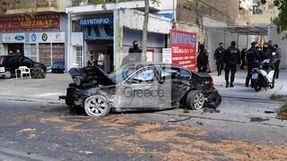 Λιοσίων: Όχημα που καταδίωκαν αστυνομικοί ξέφυγε από την πορεία του – Τρεις τραυματίες