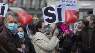 Ισπανία: Με ευρεία πλειοψηφία υπερψηφίστηκαν ευθανασία και υποβοηθούμενη αυτοκτονία