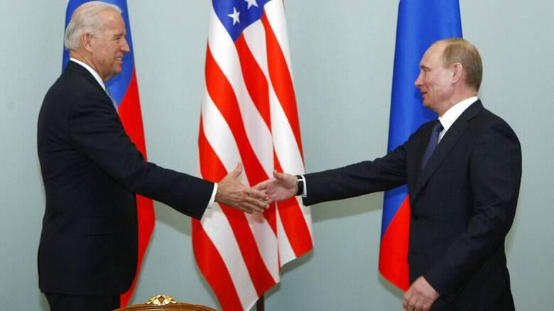 Αμετανόητος ο Μπάιντεν για τον χαρακτηρισμό «φονιάς» - Σε online συζήτηση τον καλεί ο Πούτιν