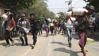 Μιανμάρ: Ο στρατός και η αστυνομία χρησιμοποιούν ολοένα και πιο βίαιες τατκικές καταστολής