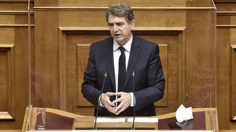 Χρυσοχοΐδης: «Ζητώ συγγνώμη από όποιον έχει υποστεί αστυνομική αυθαιρεσία»