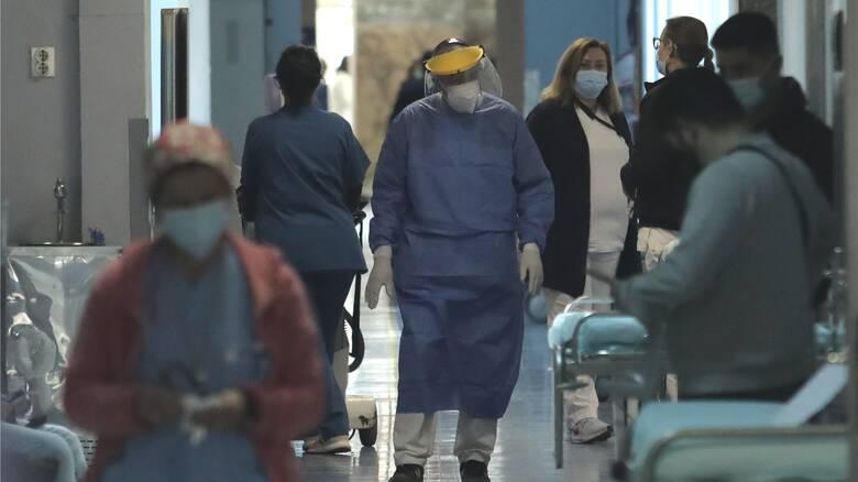 Κορωνοϊός: Αγωνία για την αύξηση των διασωληνωμένων - Ελπίδες μετά τις μικρές ανάσες αποσυμπίεσης