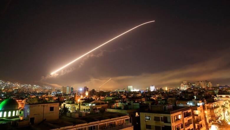Ελληνικό ΥΠΕΞ για 10 χρόνια εμφυλίου στη Συρία: Απαραίτητη η αποχώρηση των ξένων στρατευμάτων