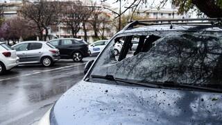 Πανδαιμόνιο στη Θεσσαλονίκη: Οπαδοί συγκρούστηκαν μεταξύ τους με τσεκούρια, λοστούς και μολότοφ