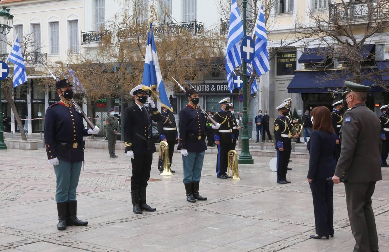 https://cdn.cnngreece.gr/media/news/2021/03/21/259014/photos/snapshot/mitropoli_leitourgia-1.jpg