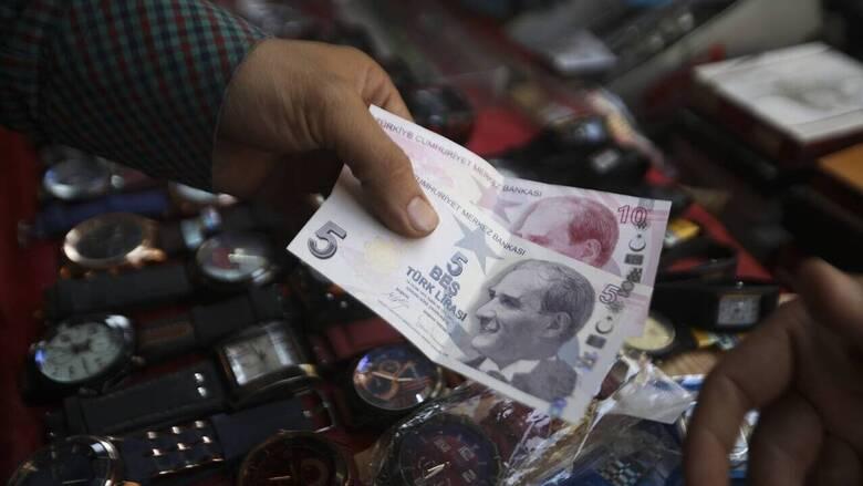 Κατακρήμνιση της τουρκικής λίρας στις διεθνείς αγορές