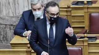 Κόντρα για την επιστράτευση ιδιωτών γιατρών στη Βουλή