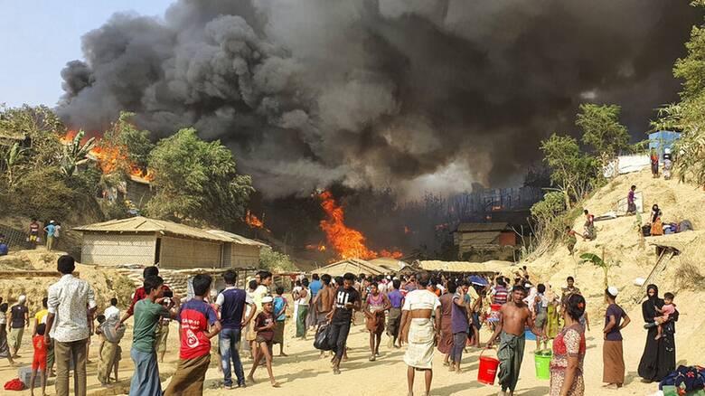 Στις φλόγες καταυλισμός προσφύγων Ροχίνγκια στο Μπανγκλαντές - Φόβοι για πολλούς νεκρούς
