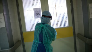 Ιδιώτης γιατρός για επιστράτευση: Εμένα μου έλυσε τα χέρια