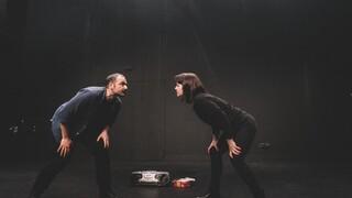 Θέατρο: Το «Ελεύθερο ζευγάρι» του Ντάριο Φο έρχεται στο ΚΘΒΕ για να... σπάσει την καραντίνα
