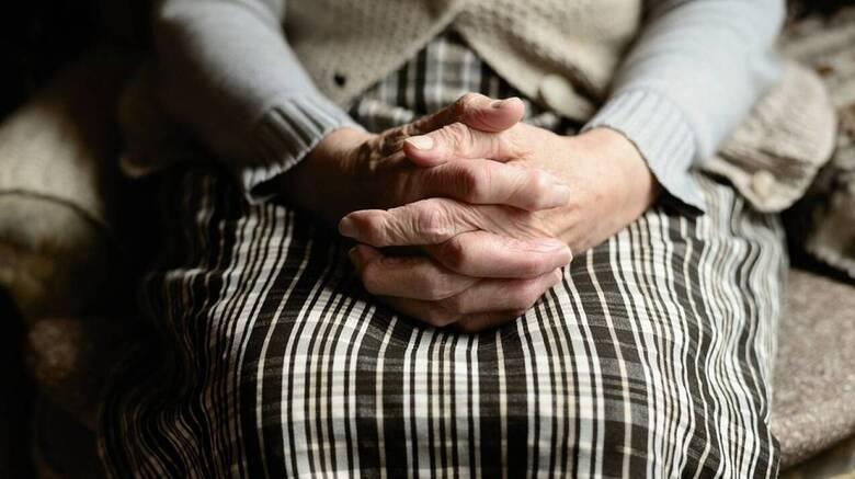 Κορωνοϊός: Η συγκινητική φιλία ανάμεσα σε μία 98χρονη Γαλλίδα και έναν Βρετανό φοιτητή