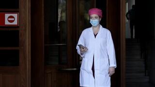 Τα ευτράπελα της επίταξης: Η ανεμβολίαστη πνευμονολόγος και ο επιστρατευμένος.... εθελοντής
