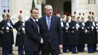 Βολές Μακρόν: Ο Ερντογάν θα προσπαθήσει να επηρεάσει τις γαλλικές εκλογές