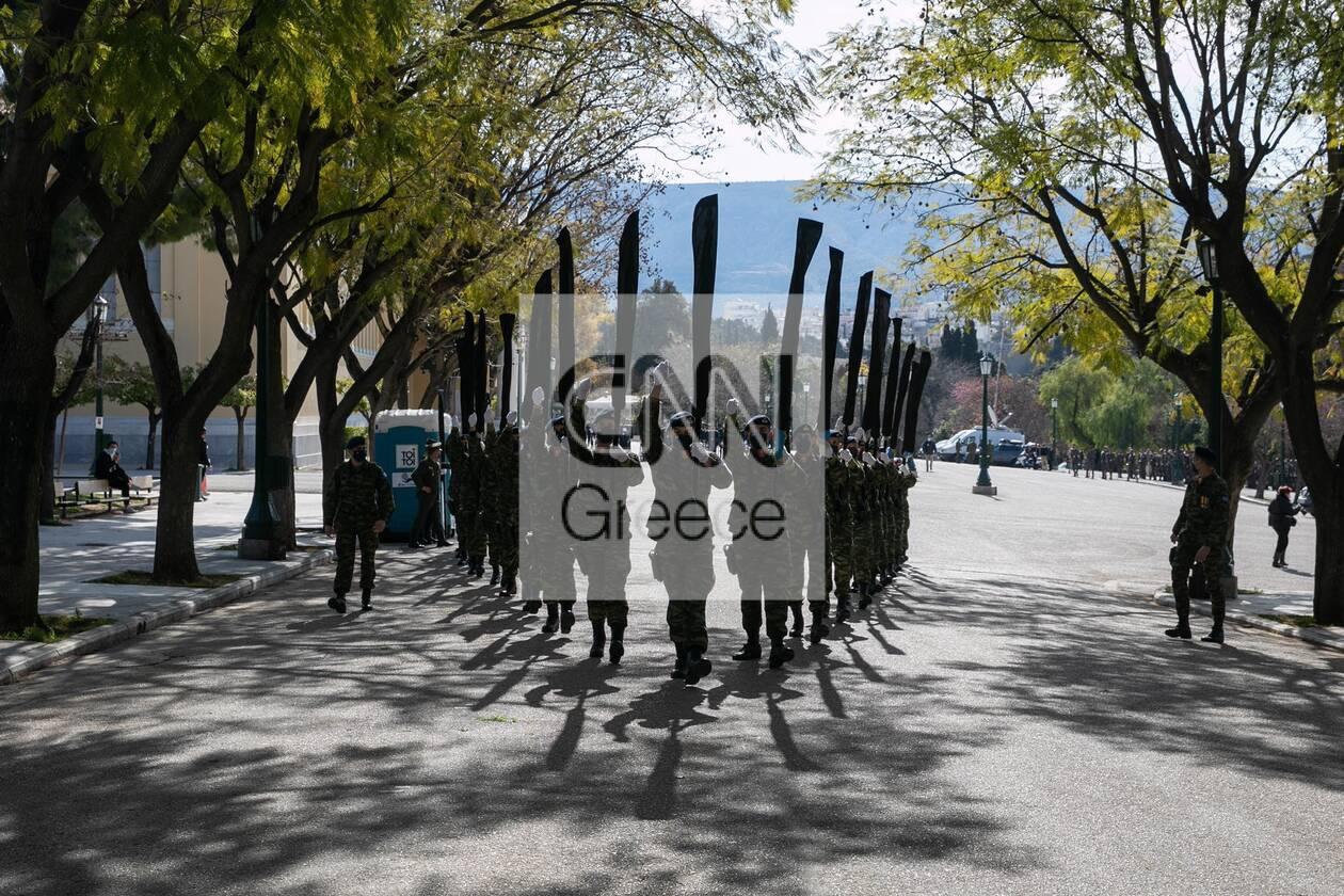 https://cdn.cnngreece.gr/media/news/2021/03/25/259536/photos/snapshot/200xronia-epeteios-6.jpg
