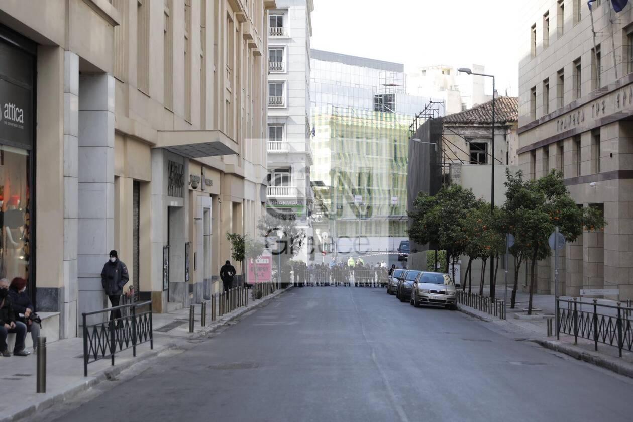 https://cdn.cnngreece.gr/media/news/2021/03/25/259536/photos/snapshot/d.jpg