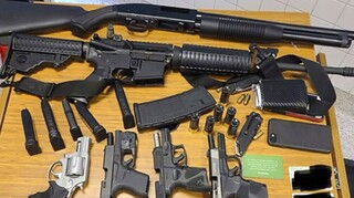 ΗΠΑ: 22χρονος συνελήφθη σε σούπερ μάρκετ με έξι πυροβόλα όπλα