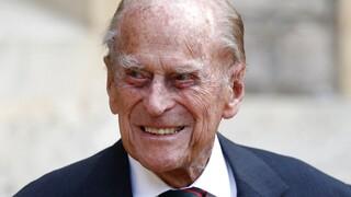 Σπάνια φωτογραφία του πρίγκιπα Φίλιππου: Όταν πόζαρε ντυμένος τσολιάς