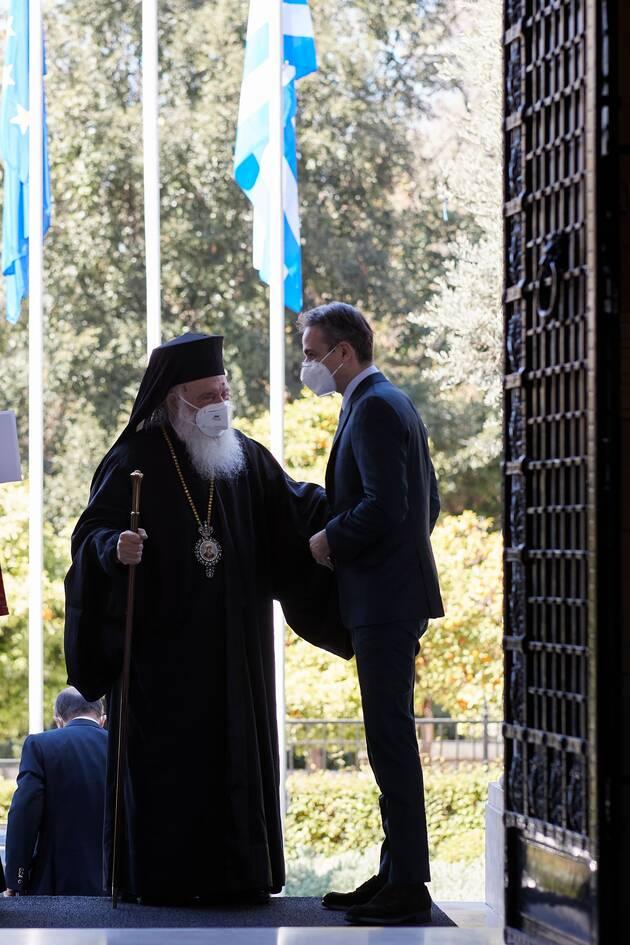 https://cdn.cnngreece.gr/media/news/2021/03/26/259666/photos/snapshot/mitsotakis-ieronymos-2.jpeg