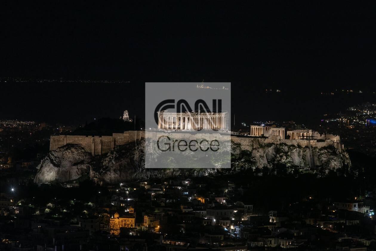 https://cdn.cnngreece.gr/media/news/2021/03/27/259847/photos/snapshot/akropoli1.jpg